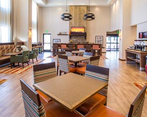 Hampton Inn Whitefish Lounge